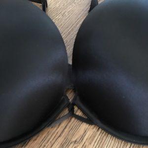 Victoria's Secret Intimates & Sleepwear - Victoria's Secret Miraculous Plunge Bra. 🌷